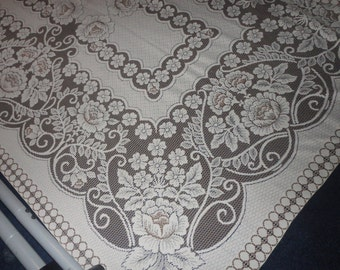 Vintage Lace Tablecloth 90x62