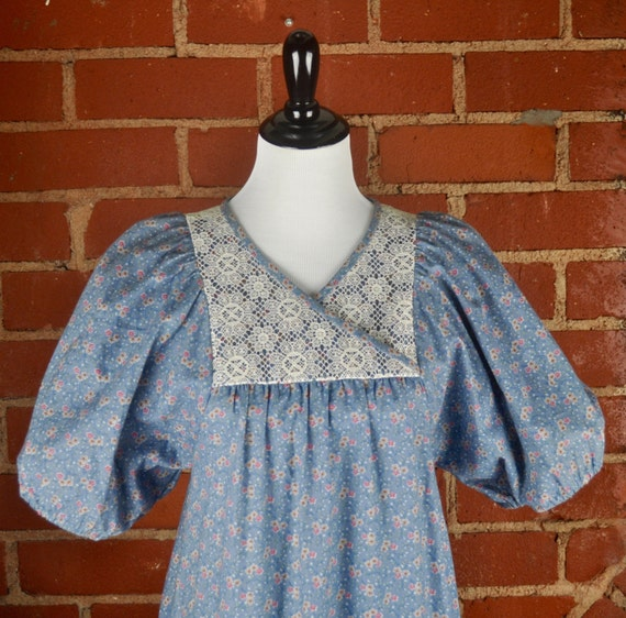 Blue and White Flowered Sun Babe Hawaii Cotton Prairie Dress with Pouf Sleeves Sz 9