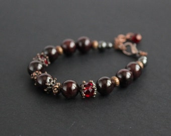 Woman garnet jewelry Love gift bracelet Red garnet beaded bracelet Garnet chakra Elegant gemstone bracelet Garnet birthday Burgundy jewelry