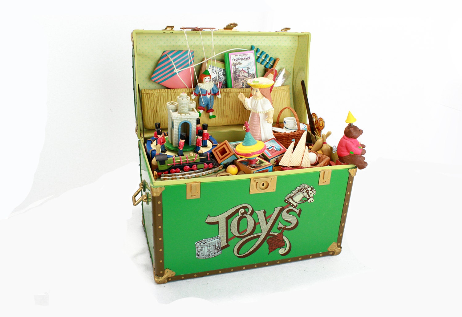 Toy Treasure Chest Beach : Vintage treasure chest of toys moveable by vintagelostbutfound