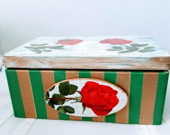 Wooden Big Memories Box Wooden Chest, Hand decorated Box, Made with Decoupage Techniques, Recipe Box, Gift Idea, Old Style, Vintage, Roses