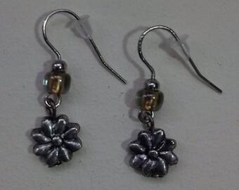 Small zamak, and Czech crystal earrings antique silver.