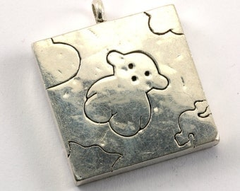 Vintage Famous Bear Engraved Square Pendant 925 Sterling Silver PD 399