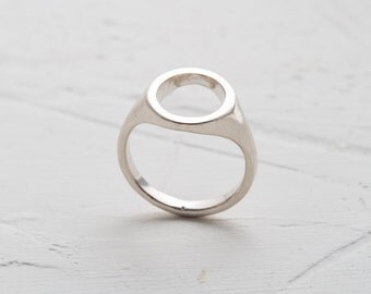 silver ring, sterling silver, signet ring, different signet ring, special signet ring, special for her, unique ring, empty ring, focus ring