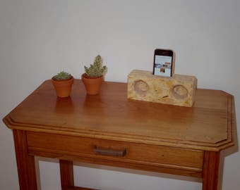 Natural stereo speaker in light wood