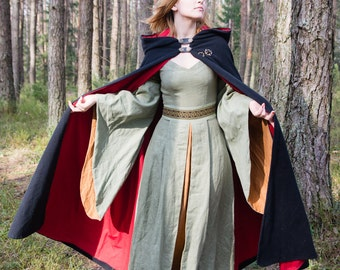 Historical luxury lined and hooded cloak for men and women