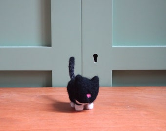 miniature cat needle felted cute little black cat with pink nose felt animals cats kawaii