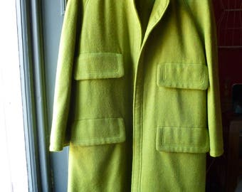 Valentino spring coat, circa 1980s, made in Italy. Size L.