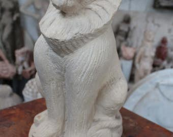Lion sculpture in Lapine, French Limestone