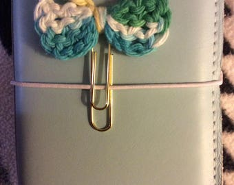 Crochet bow paperclip