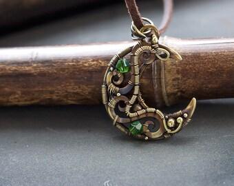 Steampunk jewelry // Steampunk accessories // Steampunk fashion // Trollbeads fantasy necklace // Trollbeads necklace // Steampunk gifts