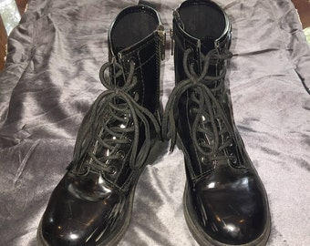 Women's Size 7 Black Pleather UK Style Punk Boots with Zip Up Sides