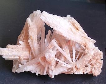 Scolecite specimen