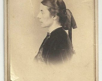 Profile cdv vintage photo Victorian woman civil war era Worcester Mass Reed's bow hair velvet