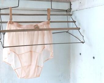 """1930s Peach Panties 18"""" to 20"""" Waist"""