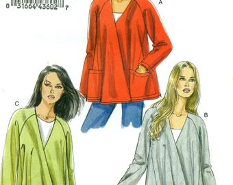 Vogue 8675 Free Flowing Jackets Sizes 8 - 10 - 12 - 14 VERY EASY VOGUE  ©2010 English and French Instructions