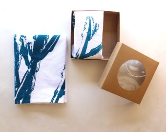 Teal & White Cactus Cloth Napkin Set - Boho Desert Cactus Design - Modern Southwest Decor