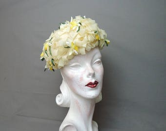 Vintage 1960s Yellow Chiffon Floral Hat, 22 inch head