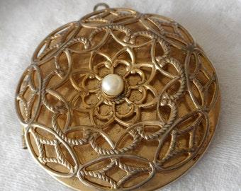 VINTAGE Round Gold Metal Locket Costume Jewelry Pendant