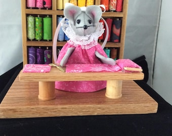 Mouse in a Quilt shop. DISCONTINUED. 20.00