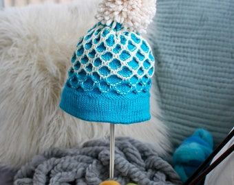 Ombre Teal Latch Pattern Knit Hat