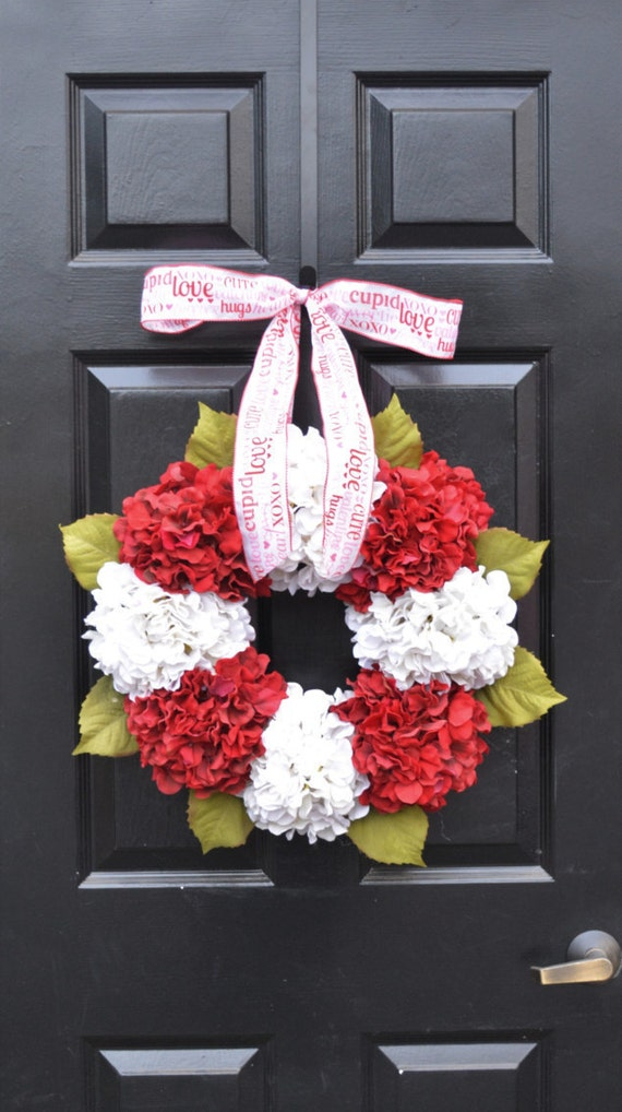 Valentine's Hydrangea Wreath- Hydrangea Wreaths- Ready to Ship- Spring Wreaths- Year Round Wreaths- Flower Wreaths- Christmas Wreath