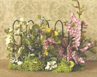 Dollhouse Ready Made Garden with Iron Fence