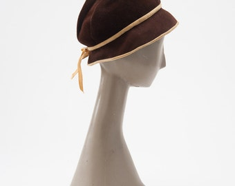 Vintage 1930s Brown Hat, 30s Fedora, Tilt Hat with Pearl Tassel, 30s Fashion