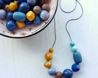 agate - necklace - vintage lucite - saturated earthtones colorblock - mustard teal aqua