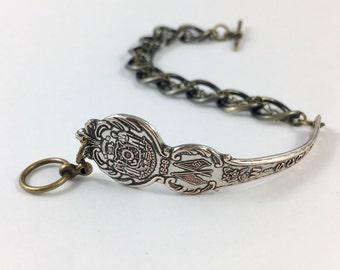 Wisconsin Bracelet, Wisconsin Jewelry, Spoon Bracelet, Spoon Jewelry, vintage Wisconsin, Wisconsin Seal, Wisconsin Gift, Wisconsin Woman