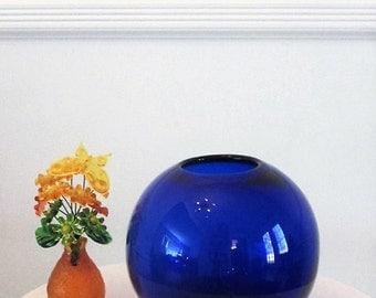 Vintage BLENKO Glass, Glass Bowl 7928S in Sapphire