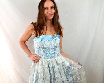 Vintage 1950s 60s Blue and Lace Strapless Sweetheart Princess Formal Prom Party Dress
