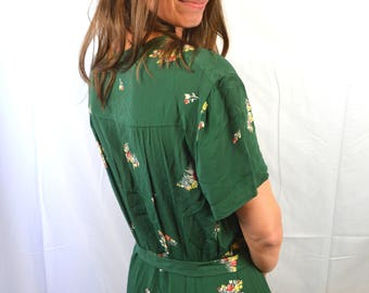 Amazing Floral Vintage 1940s Rayon Day Dress