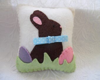Easter Bunny Pillow Felt Eggs Penny Rug Shelf Ornament Decoration Felted Wool