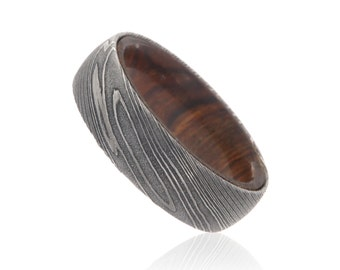 7mm Wide Damascus Steel Ring Etched Damascus Steel Bands Wedding Rings with a Tamboti Wood Sleeve - DS-7HR-WoodGrain-TambotiSleeve
