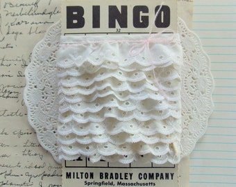 Vintage Ivory Eyelet Trim on Bingo Card  / 2 Yards