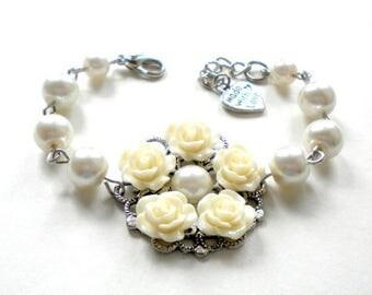 Ivory Wedding Jewelry Ivory Pearl Bracelet Flower Girl Gift Junior Bridesmaid Bracelet Rustic Wedding Jewelry For Girl Ivory Flower Bracelet