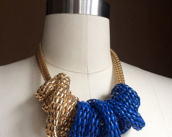 vintage 90's 1990's  chain jewelry / gold tone necklace / choker / blue chain / sculptural accessory