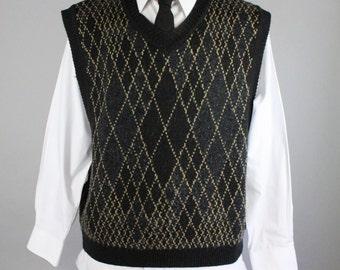 Mens Sweater Vest. Art Deco Print. Pullover Sweater Vest. Black Gray Beige. Winter Spring. Vintage. Size Xl . GOGOVINTAGE
