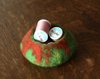 Felted Bowl Green and Red, Felt Pod