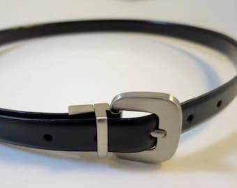Vintage Black or Oxblood Leather Belt Pewter Tone Buckle Size Medium  3/4 x 37 inches 2 Color Reversible Narrow Belt