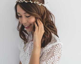white berry hair wreath / white gypsophila style flower crown / bridesmaids flower crown / wedding flower hair wreath / white twiggles