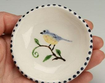 One Robin Bird Ring Dish, Small  Pottery Bowl, Bird Painting Jewelry Dish, Small Ceramic Dish, Trinket Holder, Tealight Candle Holder