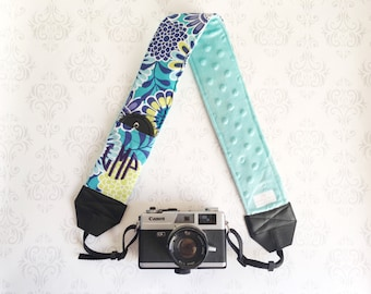 Embroidered DSLR Camera Strap, Padded with Minky, Lens Cap Pocket, Nikon, Canon, DSLR Photography, Photographer Gift - Aqua Flowers