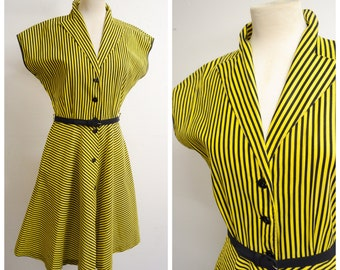 1940s style yellow & black stripe cotton day dress / 1970s does 40s stripy pocket shirt dress - M