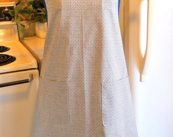 Grandma Style Old Fashioned Apron in Navy and Taupe