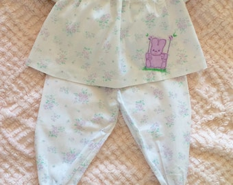 Baby girl Easter outfit, 3 - 6 mths, lavender, bunny appliqué, 2 pc, spring, summer baby girl