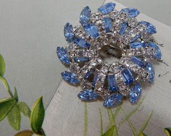 Blue Rhinestone Pin Wheel Crystal Brooch    OY22