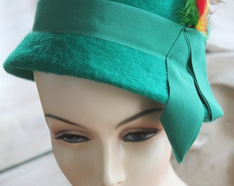 Vintage Green Wool Hat with Feathers