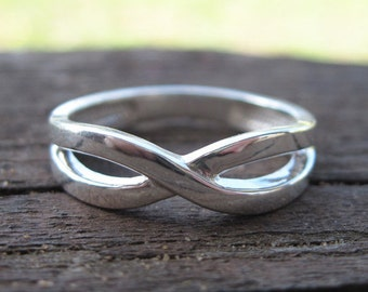 Silver Infinity Ring, Infinity Knot Silver Ring, Modern Silver Ring, Silver Promise Ring, Best Friends Ring, Friendship Ring, Infiniti Ring